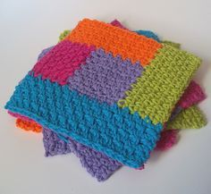 Simply Square Log Cabin Dishcloth: free crochet pattern