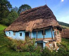 Romania, House Styles, Home Decor, Houses, Prague, Decoration Home, Room Decor, Home Interior Design, Home Decoration