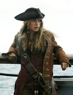 elizabeth swann keira knightley 'pirates of the caribbean; dead man's chest' 2006 costume designed by penny rose Pirate Queen, Pirate Woman, Pirate Life, Lady Pirate, Pirate Wench, Keira Knightley Pirates, Keira Christina Knightley, Captain Jack Sparrow, Jurassic World Park