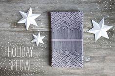 Holiday Special -15%  Handbedrucktes Geschirrtuch von RoomforEmptiness, €18,50