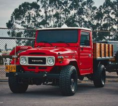 Red Chassis, Black Wheels. Nothing more to say! . #blackonred #toyota #toyotalandcruiser #offroad #classiccar #driveclassics… Land Cruiser Pick Up, Fj Cruiser, Toyota Land Cruiser, Toyota Fj40, Toyota Trucks, Toyota Supra, Nissan Patrol, Black Wheels, Jeep Truck