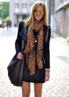 Sciarpa leopardata