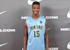 Lonnie Walker commits to Miami