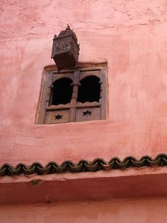A flying Moroccan lantern! Islamic Architecture, Architecture Details, Pink Elephants On Parade, Style Marocain, Daughter Of Smoke And Bone, Moroccan Style, Moroccan Decor, Window View, Moorish