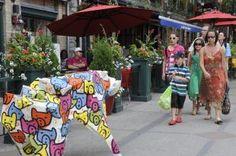 2010 Mathieu Gotti - Un bestiaire coloré dans le Quartier Petit Champlain, Québec Express