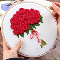 Floral Embroidery Kit For Beginner, Modern Embroidery Kit, Hand Embroidery Kit, flowers Embroidery Pattern, DIY Embroidery Kit Diy Embroidery Kit, Hand Embroidery Videos, Hand Embroidery Flowers, Flower Embroidery Designs, Hand Embroidery Stitches, Modern Embroidery, Ribbon Embroidery, Floral Embroidery, Embroidery For Beginners