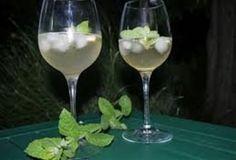 Hugo, het nieuwe verfrissende zomer aperitief Italian Cocktails, Summer Cocktails, Smoothie Drinks, Smoothies, Elderflower, Superfood, Alcoholic Drinks, Bbq, Food And Drink