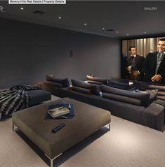 Große und Luxusvilla von Floyd Mayweather Jr - Home Theater Home Cinema Room, At Home Movie Theater, Home Theater Rooms, Home Theater Seating, Home Theater Design, Floyd Mayweather, Home Entertainment, Luxury Interior, Interior Design