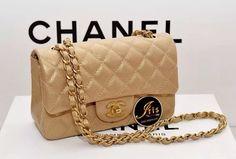 Chanel Mini 8 Caviar Gold GHW 15 C พร้อมส่งเลยค่ะ สนใจสินค้าติดต่อ Iris Shop 086 6668556