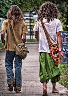... Dreads.. grenn awesome pants.. Love this!