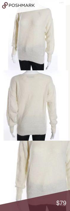 INNAMORATO Cashmere sweater Sz m cream Cream Cashmere sweater stunning piece! INNAMORATO Sweaters Crew & Scoop Necks