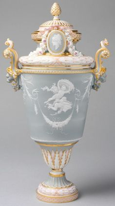(via 1883–85  French (Sèvres) | Limoges❤Dresden ❤Wedgewood | Pinterest)