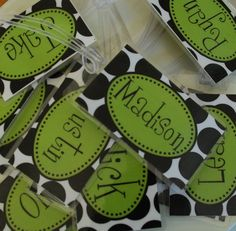 party favor ideas: pictures in luggage tags or keychains Personalized Luggage Tags, Personalized Party Favors, Missionary Gifts, Cheer Gifts, Daisy Girl Scouts, Cheer Stuff, Cheer Mom, Paper Crafts, Diy Crafts