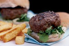 Discover the secrets to creating burger perfection.