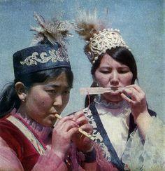 "Шанкобыз. Из книги Болата Сарыбаева ""Казахские музыкальные инструменты"", 1978"