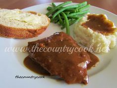 Crockpot Cube Steak with Gravy - 1 pounds Cube Steak 1 package Brown Gravy Mix 1 package of Au Jus mix 1 Can Cream of Chicken Soup (or Cream of Mushroom Soup) 1 Can French Onion Soup Crockpot Dishes, Crock Pot Cooking, Beef Dishes, Food Dishes, Main Dishes, Cooking Venison, Crock Pots, Food Food, Slow Cooker Recipes