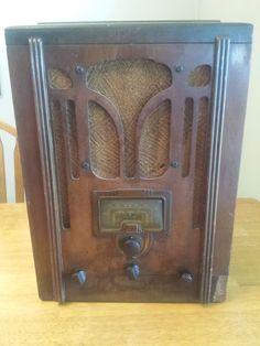 Vintage 1936 RCA Victor 5-T TUBE Short Wave RADIO Wood Tombstone NICE
