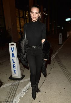 Emily Ratajkowski wears tight top and skinny jeans for night out #dailymail