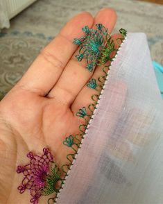 This Pin was discovered by Mih Crochet Borders, Crochet Patterns, Crochet Unique, Needle Lace, Lace Making, Olay, Irish Crochet, Tatting, Needlework
