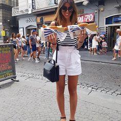 Impossibile visitare Napoli e non prendere almeno 2kg, il nostro tour per le strade del gusto della Campania inizia mangiando una delle loro prelibatezze: la pizza fritta! 🍕🍕 @hertz_it#goviahertz #happy #girl #summer #foodporn