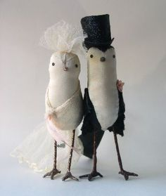 Bird cake toppers by Ann Wood (http://annwoodhandmade.com/index.php?main_page=index=14); via How Do I Love Thee Style (http://howdoilovetheestyle.blogspot.com/2011/05/bliss-bird-cake-toppers.html).
