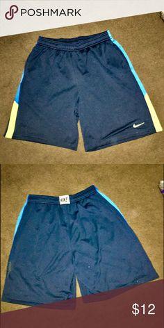 NIKE MENS DRIFIT BBALL SHORTS NIKEE DRIFIT MENS XL BBALL SHORTS. WORN STILL LOTS OF LUFE LEFT Nike Shorts Athletic