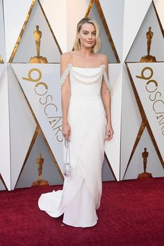 Margot Robbie in Chanel - The Best Dressed On The 2018 Oscars Red Carpet - Photos