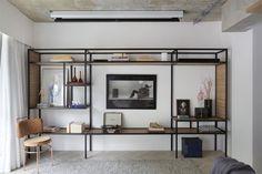 49 ideas for home bar furniture bookshelves Industrial Bedroom, Industrial House, Industrial Interiors, Kitchen Industrial, Industrial Chic, Industrial Wallpaper, Industrial Closet, Industrial Bookshelf, Industrial Windows