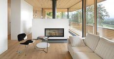 A Weinfelden, in Svizzera, un'abitazione unifamiliare all'insegna del risparmio energetico, a stretto contatto con il paesaggio