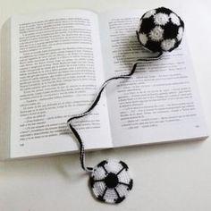 marcapagina en crochet hilo perlé,relleno/guata/esferica crochet/ganchillo