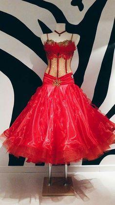 RP Dress Front Latin Ballroom Dresses, Ballroom Dance Dresses, Ballroom Dancing, Baile Latino, Skating Dresses, Costume Dress, Dance Costumes, Dance Wear, Ball Gowns