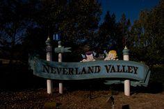 "25 Stunning Images of Michael Jackson's Abandoned ""Neverland"" Theme Park   Theme Park Tourist"