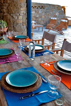 GREECE CHANNEL | a colorful #tablescape perfect for summer!
