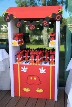 Mickey Mouse Birthday Party:
