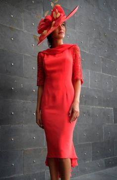 Gabriela Sánchez 6433 occasion wear - Colour Coral - Mother of the bride wedding outfit. Mother Of Bride Outfits, Mother Of Groom Dresses, Mom Outfits, Mother Of The Bride, Mom Dress, Groom Outfit, Occasion Wear, Special Occasion, Beautiful Dresses