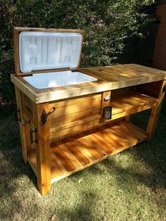 Wooden Ice Chest Patio Bar. Outdoor ...