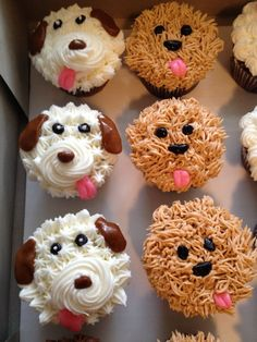 Puppy cupcakes. Adorable! Ideal for a puppy dog themed birthday party or baby shower