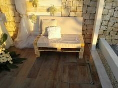 Pallet sofa wedding design