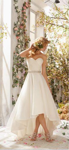This will be my dress !!! http://weddings.momsmags.net