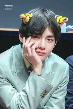taehyung pics ◡̈ ( Jimin Jungkook, V E Jhope, Kim Taehyung, Bts Bangtan Boy, Daegu, V Bts Cute, I Love Bts, K Pop, Fansign Bts