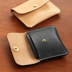 Items similar to Hand-stitched Natural Vegetable Tanned Leather Card Case on Etsy Leather Front Pocket Wallet, Leather Wallet Pattern, Leather Card Wallet, Sewing Leather, Leather Gifts, Leather Bags Handmade, Leather Pouch, Leather Keychain, Leather Purses