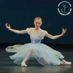 Ballet Gif, Ballet Dance Videos, Tutu Ballet, Ballet Poses, Ballet Dancers, Cool Dance Moves, Best Dance, Ballerina Sketch, Ballet Shows