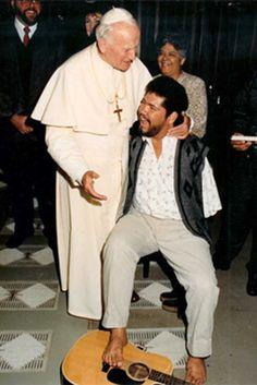 Beato Juan Pablo II y Tony Melendez / Fiesta: 22 de octubre