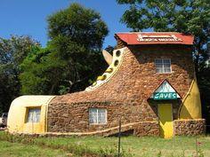 Отель в виде ботинка в ЮАР