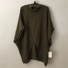 ☀️SUMMER SALE☀️Free People Poncho Green XS NWT Hey Honey! This sale is for a Free People All Wrapped Up Poncho Green XS NWT. Please ask any questions you have because all sales are final. Trades Free People Sweaters Shrugs & Ponchos