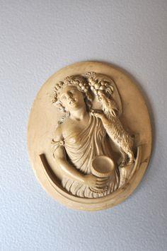Lava Cameo Antique Goddess .