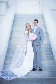 Wedding Dress with Beautiful Sleeves