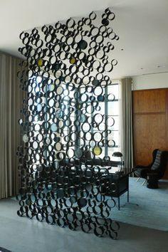 Crie e faça. Divisória com cano de PVC. Separa os ambientes da casa e fica uma linda decoração.