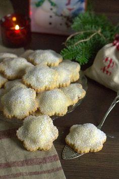 formine e mattarello: Biscotti con ripieno di castagne e mirtilli rossi