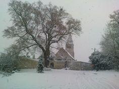 église de Saint Vaast de Longmont (Oise) sous la neige